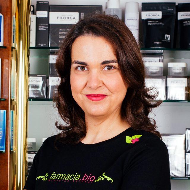 Elena Pérez Vera, farmacéutica